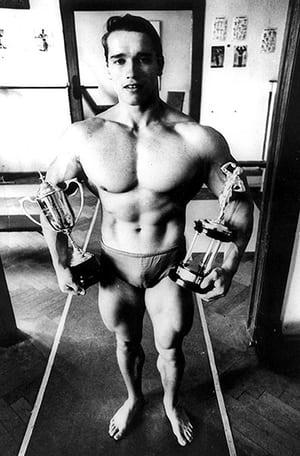Arnold Schwarzenegger în 1967, cel mai tânăr Mr. Universe